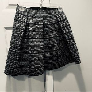 Ginger G Metallic Silver and Black pleated Skirt M